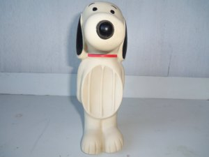 My Snoopy soapdish looked like this.  And I loved him.